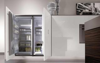 Cucina contemporanea_Free_Inox Look_dettaglio attrezzatura interna colonne L60+60 frigo+freezer a tutta altezza