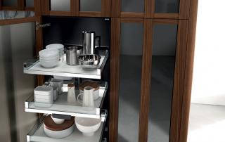 Cucina contemporanea_Noisette_Room Four_dettaglio vassoi estraibili
