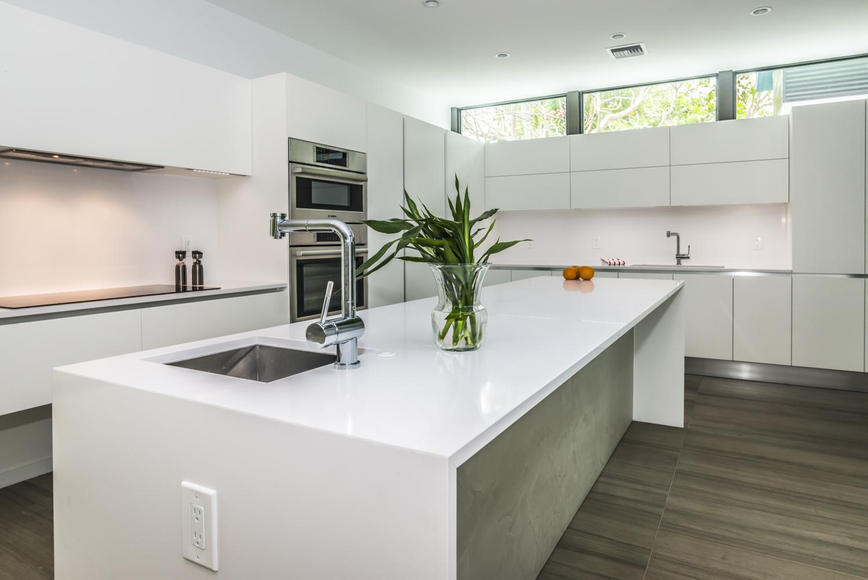 Cucina Moderna Bianca Laccata maxima - cucina moderna bianca laccata a isola - cucine composit