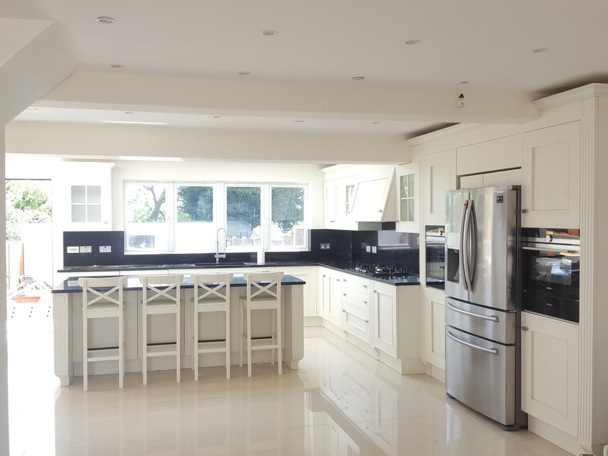 MELOGRANO – Cucina classica bianca a isola - CUCINE COMPOSIT