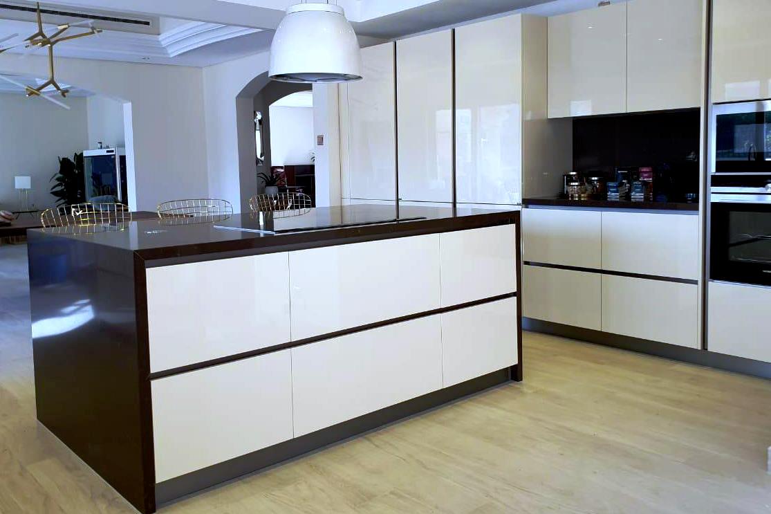 linea cucina monolaccato lucido